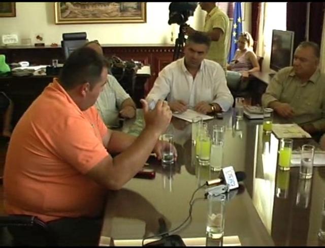 Επίσκεψη συνταξιούχων αγροτών στο Νομάρχη