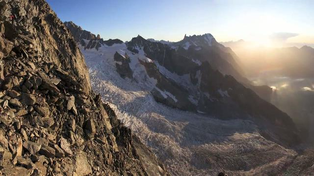 Ascent of the Peuterey Integral on the Mont Blanc