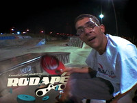 The second episode of the newest Brazillian Tv show, RODAPÉ, the first rollerblading dedicated TV SHOW in Brazil.  The show is put togheter by veteran rollerblader Fred Castro, with experience in the field of motion graphics and design, and more t...