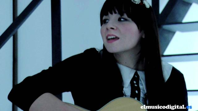 Thumbnail of video ALONDRA BENTLEY Some things on my own ME PILLAS EN OTRO PUNTO